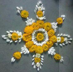 Rangoli Designs Flower, Rangoli Patterns, Colorful Rangoli Designs, Rangoli Ideas, Rangoli Designs Diwali, Flower Rangoli, Beautiful Rangoli Designs, Diwali Rangoli, Flower Designs