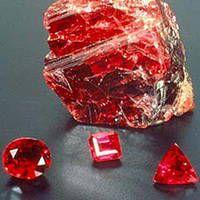 красные-камни-литотерапия