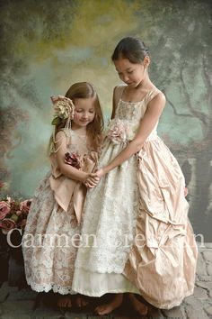 Victorian Flower Girl Dress  Flower Girl Dress  por CarmenCreation, $150.00