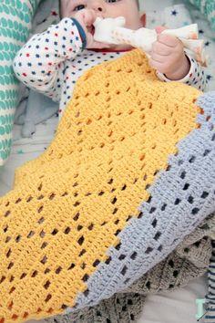 IDA interior lifestyle: Filet #crochet baby blanket