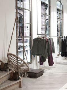 Yaya Flagship store | Fashion Friday Photography www.Vorstin.nl