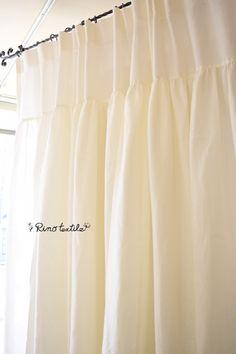 フラット&ギャザーカーテン フラットひだ山なし リネンカーテン 薄厚地 リノモデラ ホワイト サイズ幅130㎝×丈250㎝~ ¥32,000(税込)