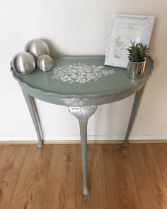 Hand Painted Furniture, Small Furniture, Paint Furniture, Upcycled Furniture, Furniture Makeover, Furniture Design, Refinished Furniture, Half Round Table, Round Dining Table Sets