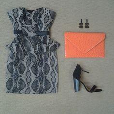 @jaygodfreynyc Daltrey Dress, @chineselaundry Seabreeze shoe, @sylviabenson earring and orange textured envelope clutch! Fabulous for Fall!