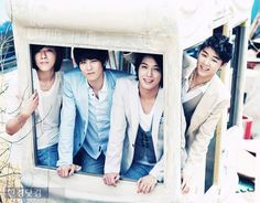 CNBLUE!!!! OMG <3 <3 <3 Yong and Minhyuk <3 <3 <3