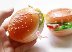 Hamburger Squishy (it's so realistic) :)