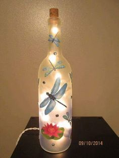 Don't toss those old wine bottles; instead use them in a variety of Cool Wine Bottles Craft Ideas. Recycled Wine Bottles, Painted Wine Bottles, Lighted Wine Bottles, Painted Wine Glasses, Bottle Lights, Decorating Wine Bottles, Glass Bottles, Wine Bottle Glasses, Wine Bottle Corks