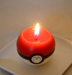 Pokeball Candle, I wouldn't want to burn this, it's too awesome! I wonder what it smells like