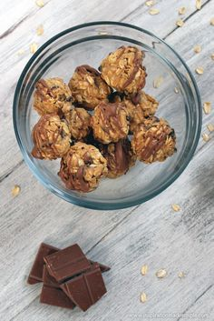Oatmeal Peanut Butter Bites with Whey Protein