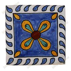 Resultado de imagen de azulejos sevillanos antiguos amarillos
