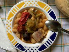 ALUBIAS DE LA GRANJA CON BORRAJAS by De Buena  Mesa @Cookbooth http://www.cookbooth.com/recipe//alubias-de-la-granja-con-borrajas-91992