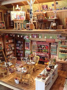 """Amy Gross (For detailed pics, please see my """" DollHouse Shops, Restaurants, Carts Stands Scenes"""" board) Dolls Miniatures Z Vitrine Miniature, Miniature Rooms, Miniature Crafts, Miniature Houses, Miniature Furniture, Dollhouse Furniture, Miniature Tutorials, Barbie Furniture, Furniture Vintage"""