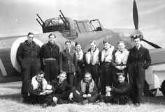 A group of aircrew from No 264 Sqn, Defiant the unit with the highest aircrew mortality in Fighter Command during the Battle of Britain Air Force Aircraft, Ww2 Aircraft, Italy In October, De Havilland Mosquito, Battle Of Britain, Royal Air Force, World War Two, Wwii, The Unit