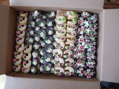 Cukrářská výroba KATEŘINA JELÍNKOVÁ Cookie Decorating, Biscuits, Food And Drink, Cookies, Holiday Decor, Party, Wedding, Wafer Cookies, Crack Crackers