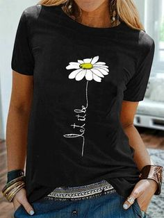 Fashionable Simple Flower Print Short Sleeve Casual T-shirt Online - NewChic Shirts & Tops, Casual T Shirts, Tank Tops, Retro Sweatshirts, Maxi Robes, Vestidos Vintage, T Shirts For Women, Clothes For Women, Nice Clothes