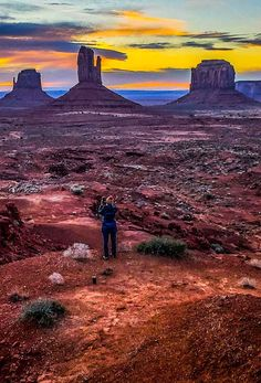 Want to visit Monument Valley? Here are 15 amazing things to do in Monument Valley, plus tips on where to stay, how to get there, best tours, and more! #MonumentValley #Arizona #travel #traveltips #Navajo #NavajoNation #familytravel #roadtrip #roadtrips