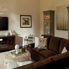 Warm and inviting family room #interiordesign #decor