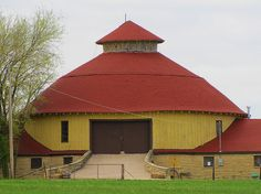 The Round Barn between Derby and Mulvane Kansas - Built in 1910, roof reconstruction completed in 2010 http://roundbarn.webs.com/savingtheroundbarn.htm