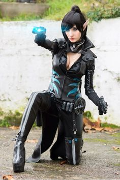 sleek black latex catsuit with nylon straps ninja cosplay cosplay outfits pinterest. Black Bedroom Furniture Sets. Home Design Ideas