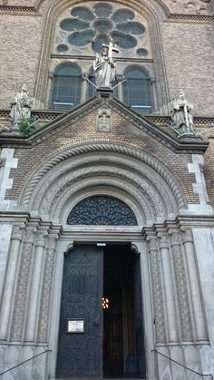 Timisoara Romania, Barcelona Cathedral, Louvre, Building, Travel, Viajes, Buildings, Trips, Construction