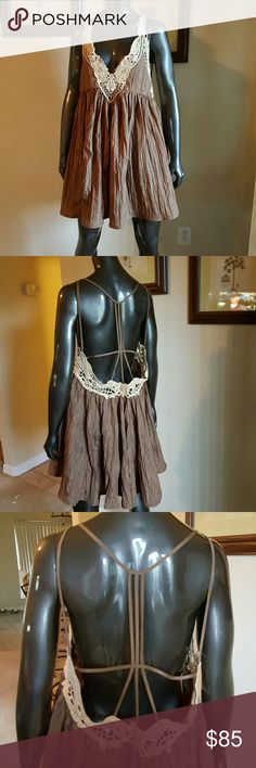 NWT FREE PEOPLE DRESS Beautiful Brown crinkled material with crochet lace T back Free People Dresses
