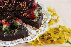 Čokoládová torta s orechmi - recept | Varecha.sk Nutella, Rum, Cake, Desserts, Food, Tailgate Desserts, Deserts, Food Cakes, Eten