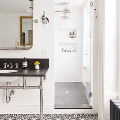 Get you a bathroom that looks like this.  // Design by @elizabeth_roberts_architecture and Ensemble Architecture