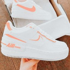 All Nike Shoes, Nike Shoes Air Force, White Nike Shoes, Hype Shoes, New Shoes, White Nikes, Jordan Shoes Girls, Girls Shoes, Cute Sneakers