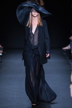 Ann Demeulemeester Spring 2014 Ready-to-Wear Collection Photos - Vogue