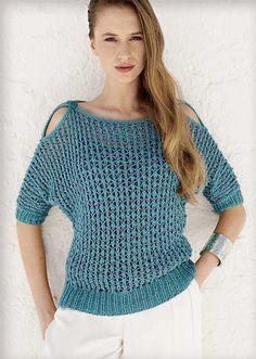 Оригинальный сетчатый пуловер спицами с открытыми плечами для весенне-летнего сезона из пряжи нежно голубого цвета - схема вязания с подробным описанием