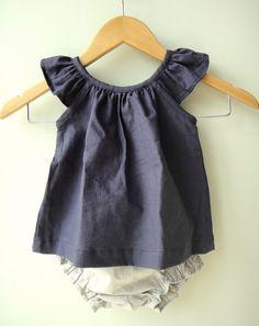 Robe de fille de bébé lin bleu marine et ensemble Bloomer