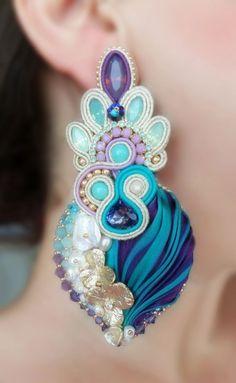 Earrings, designed by Serena Di Mercione. Ribbon Jewelry, Jewelry Art, Beaded Jewelry, Jewelry Design, Fashion Jewelry, Soutache Earrings, Big Earrings, Unique Earrings, Shibori