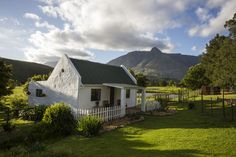 Hermitage Huisies accommodation near Swellendam, Western Cape. A picturesque smallholding just outside Swellendam, Hermitage Huisies has a certain quality that many guests find irresistible. Stone Cottages, Cabins And Cottages, Old Cottage, Cottage Style, South African Holidays, Farm Lifestyle, Cape Dutch, Farmhouse Architecture, Dutch Colonial