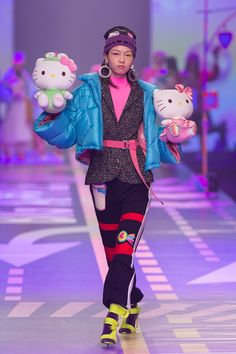 Discover NOWFASHION, the first real time fashion photography magazine to publish exclusive live fashion shows. Anti Fashion, Quirky Fashion, Colorful Fashion, Live Fashion, Fashion Show, Emo Princess, Edgy Outfits, Model Outfits, Japanese Street Fashion