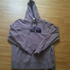 North face hoodie xxl  Womens xxl northface hoodie wore maybe twice. Just have so many hoodie.   NO TRADES ?  ✔USE OFFER BUTTON DON'T DISCUSS IN COMMENTS ✔ The North Face Other