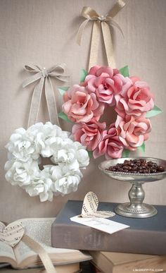 DIY Bedroom Decor Ideas - Simple Mini Paper Rose Wreath - Easy Room Decor Projects for The Home - Cheap Farmhouse Crafts, Wall Art Idea, Bed and Bedding, FurnitureThis mini paper rose wreath is so simple to make and create a gorgeous decoration for y Giant Paper Flowers, Paper Roses, Diy Flowers, Fabric Flowers, Hanging Paper Flowers, Flower Diy, Flower Ideas, Flower Wall, Diy Quilt