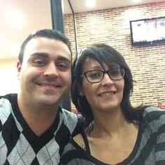 Cenando con los peques en el Burguer http://diegonetwork.com/pin  #veronicaydeigo