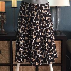 White House Black Market Beautiful silk lined skirt. Never worn. NWOT. Side zip White House Black Market Dresses