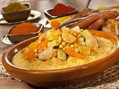 MOROCCAN FOOD It is impossible to come to Morocco without tasting Moroccan food. Moroccan cuisine is one of the most versatile and ric. Cooking Chef, Cooking Turkey, Cooking Fails, Cooking Rice, Cooking Ideas, Lidl, Quinoa, Cooking Pork Chops, Cooking Classes Nyc