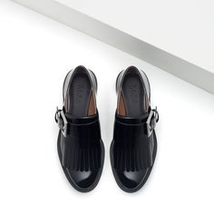Image 4 of FLATS WITH FRINGE from Zara