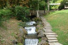 La tiretaine, rivière traversant le parc thermal de Royat ..