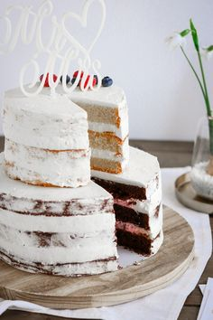 Discover our quick and easy recipe for Cupcake at the Companion on Current Cooking! Wedding Cake Designs, Wedding Cakes, Nake Cake, Big Cakes, Happy Birthday Cakes, Cupcake Recipes, Quick Easy Meals, Vanilla Cake, Bakery