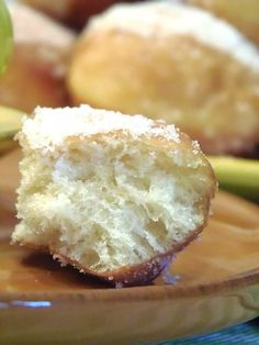 La ricetta completa dei bomboloni con lievito madre spiegata passo passo che vi dara' morbidi bomboloni profumati che si manterranno per piu' giorni