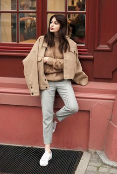 2 Blogger-Approved Ways To Wear Grey Pants With Neutrals