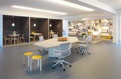 Studio Office Central Club area - Decoist