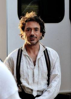 """Downey, why u so adorbs??  (RDJ on the set of """"Sherlock Holmes"""")"""