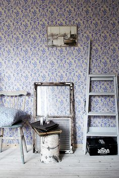 Wallpaper and distressed feel #pattern #wall