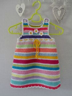 Made by Marian. For the pattern see pin http://pinterest.com/pin/126734176985499525/ Free pattern of Drops.