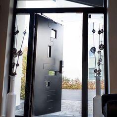 Deilig når man kan åpne dører og vinduer igjen. God helg alle sammen! #swedoor #swedoorno #semindør #mindrømmedør #endørgjørforskjell #jegelskerdører #pulse #dør #ytterdør #interiør #innredning #inspirasjon #boligunivers #nybygg #renovering #oppussing #nyedører #boligmedstil #nordicliving #dørløsninger #dørunivers
