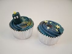Doctor Who TARDIS and Time Vortex Cupcakes.. I may make these..
